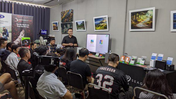 Mstar Corp chia sẻ về photo station và moments