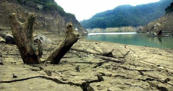 Tác động môi trường và nguồn cung cấp nước cạn kiệt